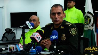El general Mariano Botero Coy, comandante de la Policía Metropolitana de Barranquilla durante la rueda de prensa.