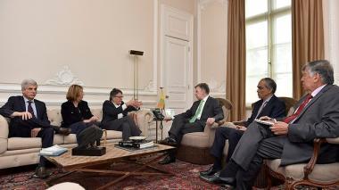 Países garantes y Unión Europea piden al gobierno y al ELN retomar diálogos