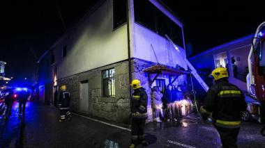 Incendio en centro cultural de Portugal deja ocho muertos y 38 heridos