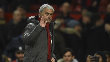 Mourinho acepta interés del Mánchester United en Alexis Sánchez