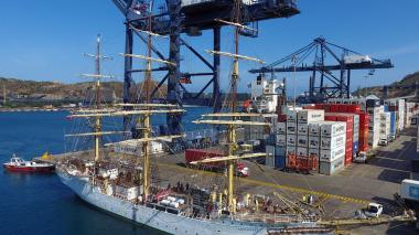 El velero noruego Sorlandet arribó este jueves al puerto de Santa Marta.