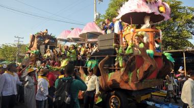 Sonido y plantas eléctricas, negocios del 'espectáculo' en desfiles y conciertos