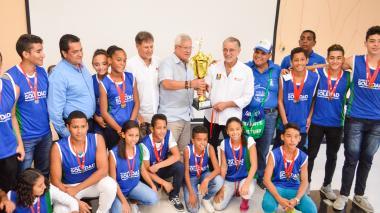 Algunos deportistas fueron premiados en la Gobernación.