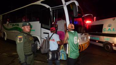 93 venezolanos ilegales en Riohacha fueron entregados a Migración