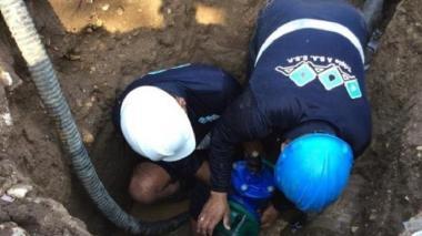 Por reparación de fuga, 30 barrios se quedan sin servicio de agua