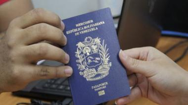 Los líos de los venezolanos para obtener un pasaporte y poder cruzar la frontera