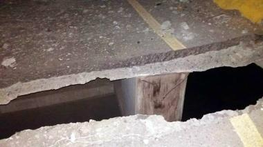 Así quedó una parte del puente Amarillo, ubicado en el Corregimiento la Mata, municipio de Pelaya.