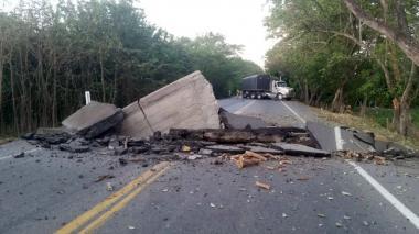 Suspenden tráfico vehicular en sur del Cesar tras atentados explosivos del Eln