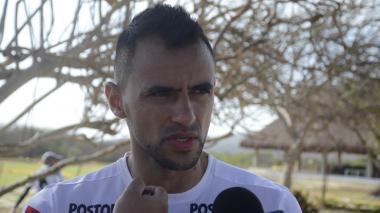 Marlon Piedrahíta dialogando con la prensa.