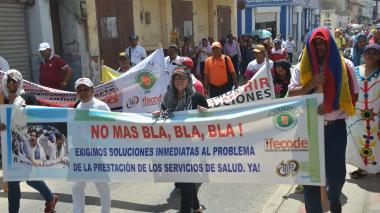 Maestros marcharon en Riohacha en protesta por la atención en salud