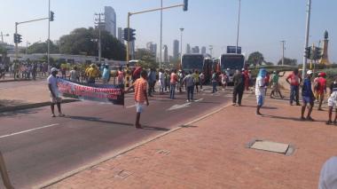 Protesta la gente de Tierrabomba por el abandono en que se encuentra