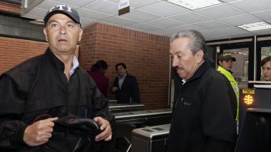 Hugo Aguilar, ex gobernador de Santader, llega a los juzgados de Paloquemao a comparecer por enriquecimiento ilícito.