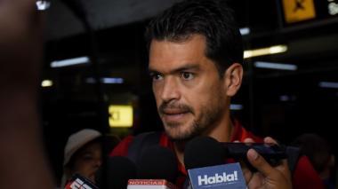 Sebastián Hernández dialoga con la prensa.