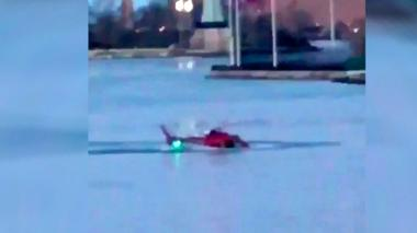 Cinco muertos al caer un helicóptero a río de Nueva York