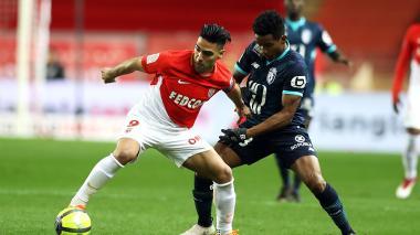 Mónaco vence al Lille y consolida su segundo puesto en el regreso de Falcao