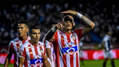 Jonatan 'El Loco' Álvez sería la principal novedad en el once titular del Junior.