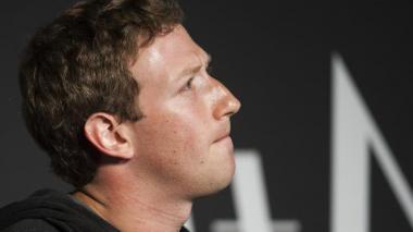 """Cometimos errores"", admite Zuckerberg sobre desvío de datos de usuarios de Facebook"