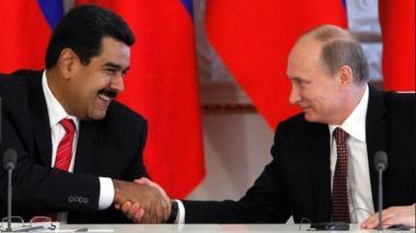 """Maduro y Putin planean la posibilidad de un """"pronto encuentro"""""""