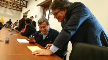 """Farc pide a Eln un encuentro """"urgente"""" en Quito tras asesinatos de excombatientes"""
