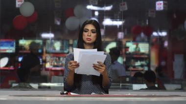 La primera presentadora de noticias transexual conmociona a Pakistán