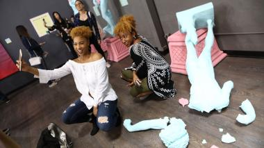En video   La selfie ya tiene su museo en Los Ángeles