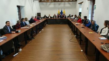 Eln pide a candidatos presidenciales reunirse para hablar del proceso de paz