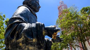 Monumentos: entre la indigencia y el vandalismo