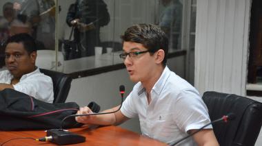 Niegan solicitud de aclaración a destituido concejal José Cadena
