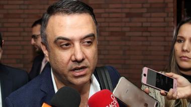 Procuraduría prorroga por tres meses suspensión de gobernador de Córdoba