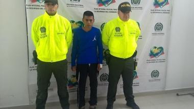 Colombia y Ecuador capturan en la frontera a un subordinado de alias Guacho