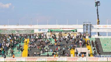 Hincha fue suspendido por un año para entrar al estadio y miren cómo reaccionó