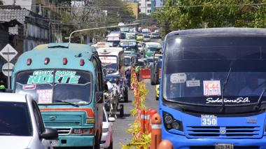 Por obras en arroyo Felicidad, cambios en 22 rutas de buses