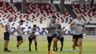 Boca Juniors entrenó a puerta cerrada en el Romelio Martínez