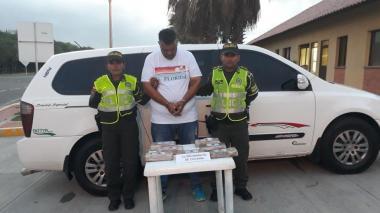 Cae con más de 8.500 gramos de droga en un vehículo de servicio público en Vía al Mar