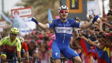El italiano Viviani repite triunfo en tercera etapa del Giro