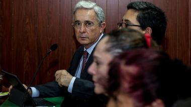 Refuerzan seguridad del expresidente Uribe ante posible atentado