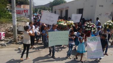 Con reclamos a Electricaribe sepultaron en Santa Marta niño que murió al pisar cable de energía