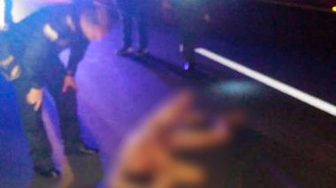 Hombre que corría desnudo en la vía Sabanalarga - Palmar murió arrollado por un vehículo