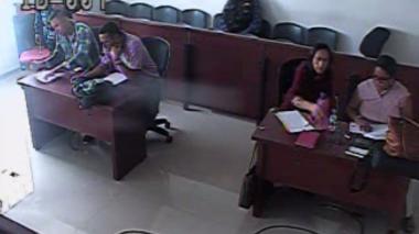 """Abusó de ella, le robó el celular, le dio $2 mil y la obligó a huir"": fiscal sobre víctima de Levith Rúa"