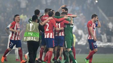 Los jugadres del Atlético de Madrid celebran su tercer título de Europa League.