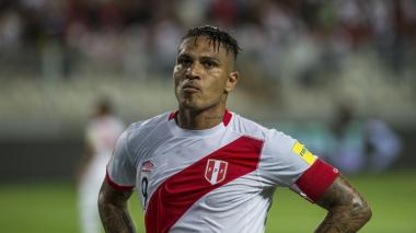 Flamengo suspende contrato a Paolo Guerrero