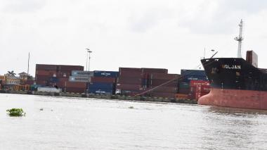 Contenedores en el Puerto de Barranquilla.