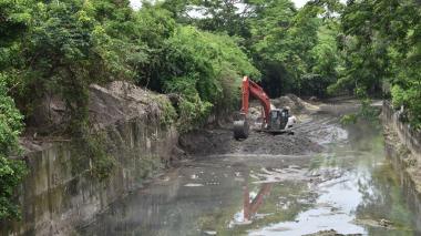Alcaldía de Malambo realiza limpieza de arroyos