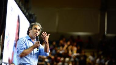 """""""Seremos el Gobierno que más invertirá en educación"""": Sergio Fajardo"""
