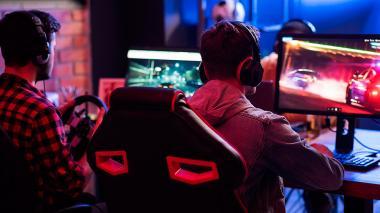 Entre tres y cuatro horas al día es el tiempo que, según los 'gamers' consultados, le dedican a esa actividad.
