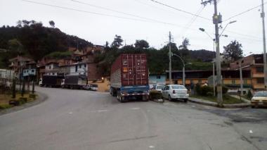 Cerrada la vía Medellín-Costa Caribe por alerta roja en Hidroituango