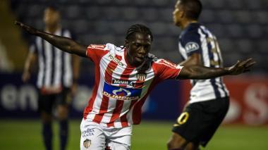 Junior se enfrenta a Lanús en la Copa Sudamericana