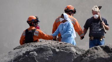 Reanudan búsqueda de desaparecidos por volcán en Guatemala
