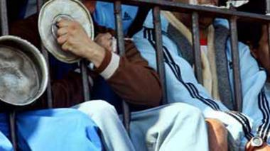Con huelga de hambre, presos argentinos exigen que los dejen ver el Mundial
