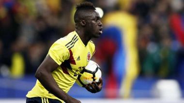 Dávinson Sánchez durante un juego con la Selección Colombia.